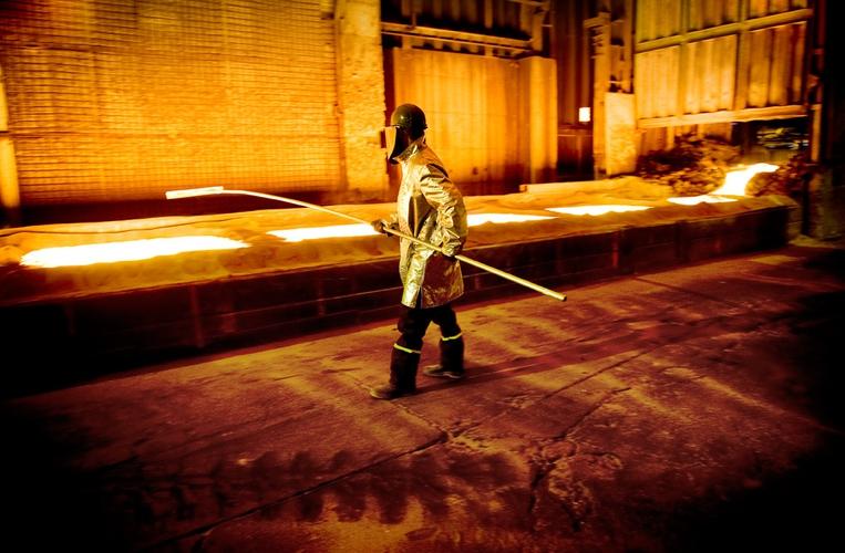 Kai ved smelteverket i Sauda, som ble hardt rammet av finanskrisen. (Foto: Kristian Jacobsen)